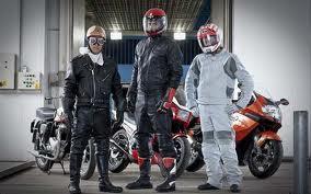 Motorcykelkläder.
